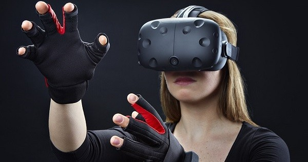 109513d9b856 ... companies start to bring more new accessories to make your VR  experience even more immersive. The Manus VR a new Dutch company developing  the world s ...