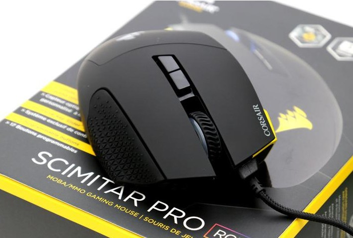 CORSAIR launches SCIMITAR PRO RGB Gaming Mouse at CES 2017