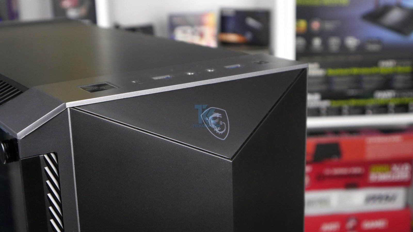 MSI MPG GUNGNIR 100P Case Review